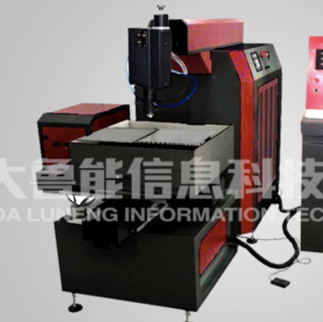 SD-YAG0505-600W金属激光切割机