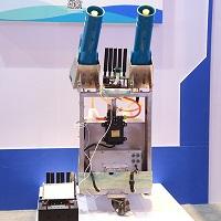 基于5G通信控制的智能喷雾机器人